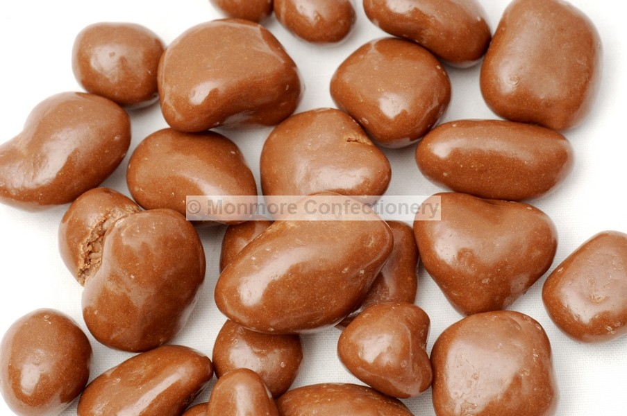 CHOCOLATE FLAVOUR COATED CHOPPED DATES (BONNEREX) 3KG