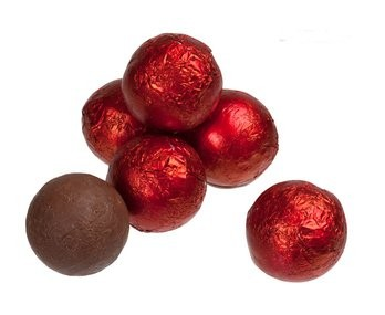 Milk Chocolate Red Balls (Kinnerton) 3kg