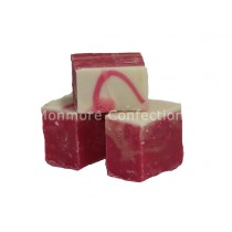 STRAWBERRY CHAMPAGNE FUDGE (FUDGE FACTORY) 2KG